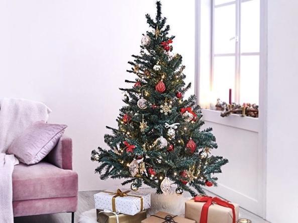 Decorazioni Albero Di Natale Blu : Alberi di natale addobbati luci colori fiocchi e tanto altro