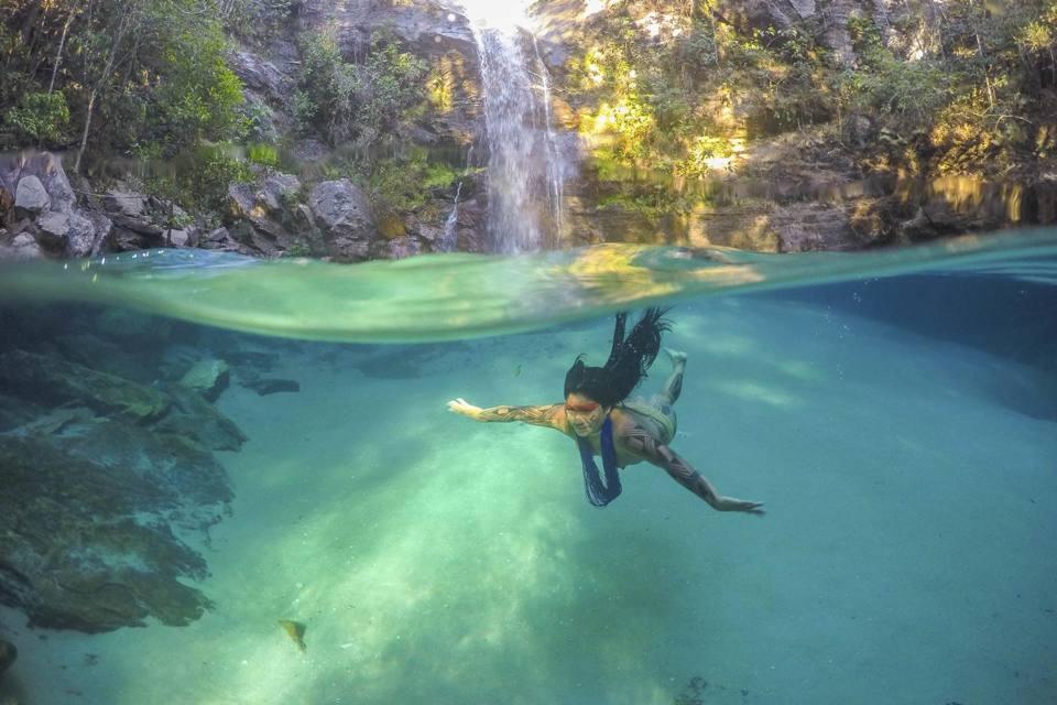 Brasile viaggio nel mato grosso tra gli indigeni kamaiur for Grosso pesce di lago