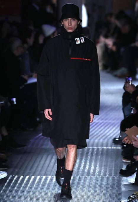 purchase cheap d932b daf6c Il nylon imbottito, l'eleganza utile di Prada - Corriere.it