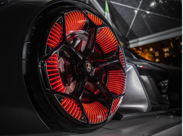 Lamborghini Terzo Millennio, la supercar con 4 motori