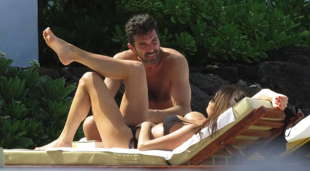 Ilaria Damico Calendario.Ilaria D Amico E Gigi Buffon Corriere It