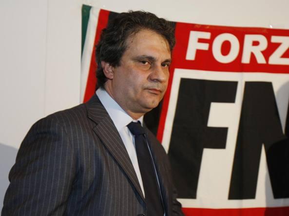 Roberto Fiore: «Sono fascista, ma dico no a chi spara o picchia» -  Corriere.it