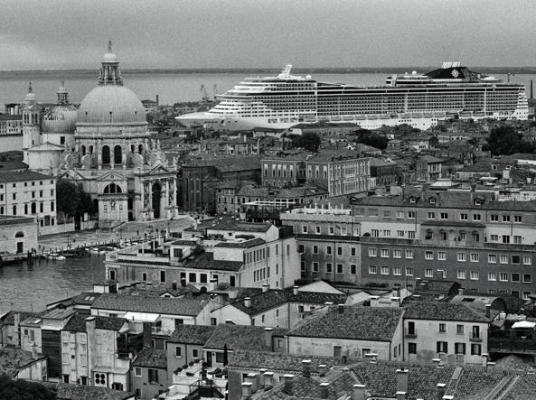 Ufficio Per Carta Venezia : Venezia noi veneziani non stiamo serenissimi sette