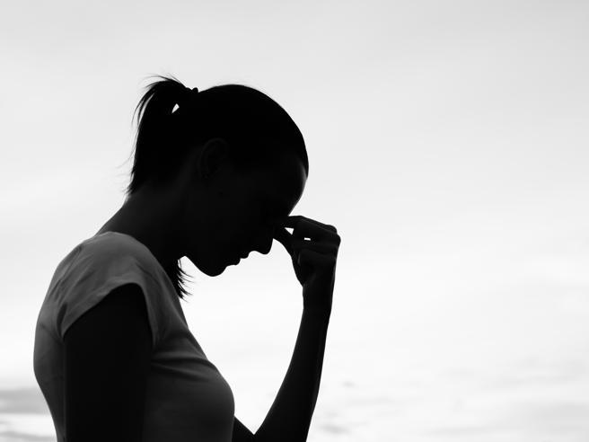 Sembrano malattie ma è solo stress: 10 sintomi a cui non penseresti mai