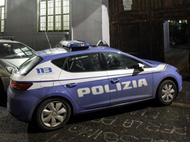 Napoli, agente spara e ferisce un rapinatore 18enne