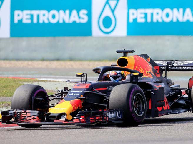 Formula 1 Gp di Cina: Ricciardo, che rimonta! Vince su Bottas e Raikkonen