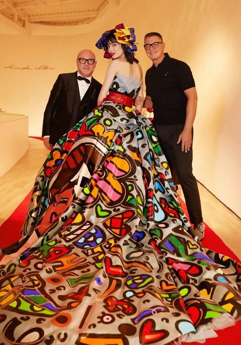 Dolce   Gabbana, in Messico sfila l Alta moda tra i Rodin - Corriere.it 1ee266bfc1