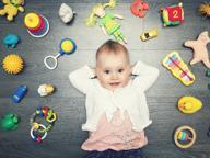 I bambini che hanno meno giocattoli sono più felici, creativi e attenti