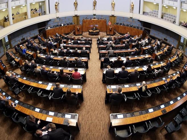 Finlandia, stop al reddito di cittadinanza: il governo cambi