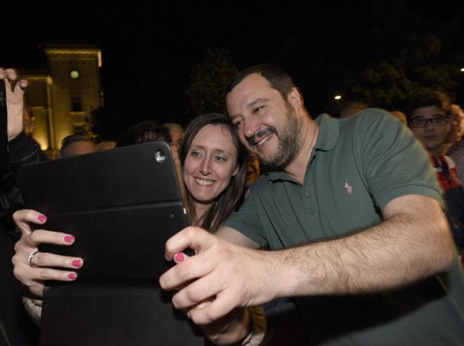 Governo, l'offerta di Di Maio a Salvini: «Niente premier, ma