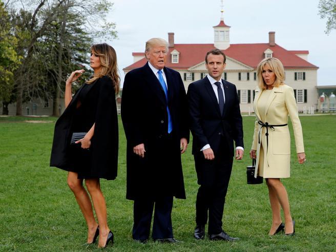 Melania Trump batte Brigitte Macron con la gonna sopra il ginocchio