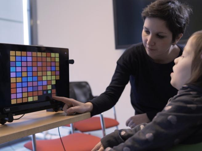 Bambini «speciali», nuovo strumentoper comunicarecon gli occhi