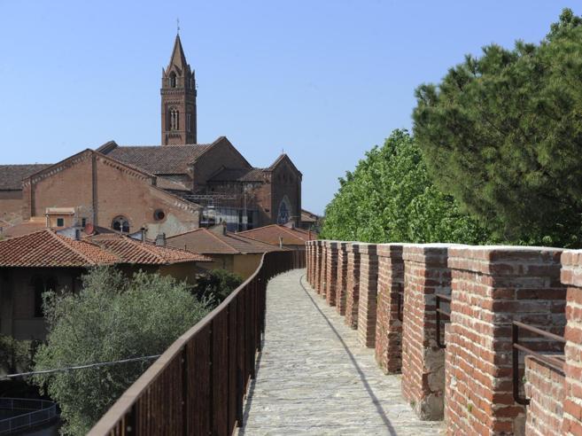 Camminare sopra Pisa: è pronto il percorso sulle mura medievali
