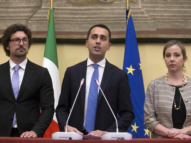 Di Maio: «Renzi si siederà al tavolo»Si apre uno spiraglio nel muro del Pd