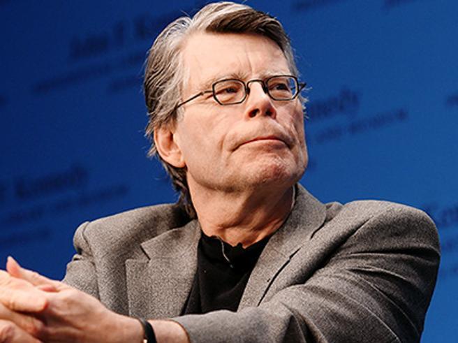 Stephen King gioca a ping pongVoto del critico: «Ora di ricreazione»Siete d'accordo? Votate Pagelle