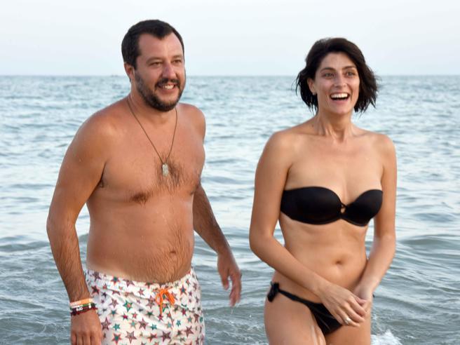 Elisa Isoardi e Matteo Salvini in vacanza in Puglia