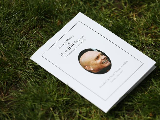 Ray Wilkins, il calcio inglese lo commemora a un mese dalla morte. Presenti anche Conte e Zola