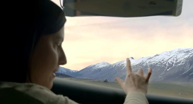 Il finestrino dell'auto per non vedenti Ford trasforma il panorama in Braille