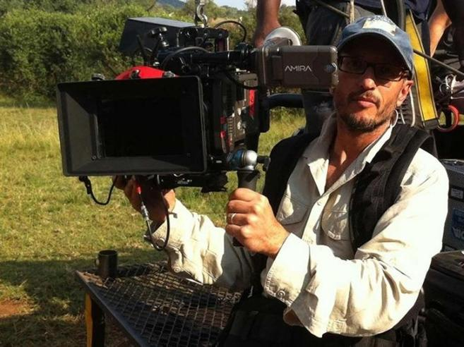 Sudafrica,  regista ucciso da giraffa  durante le riprese di una serie tv