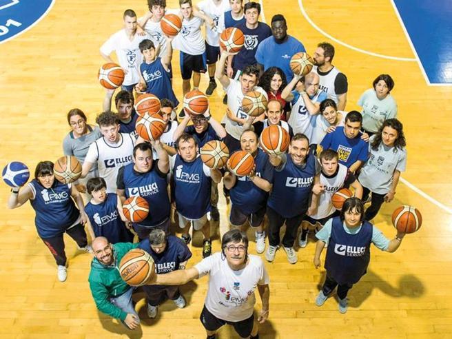 «Guardate sempre in alto», ecco la basket terapia del gigante buono