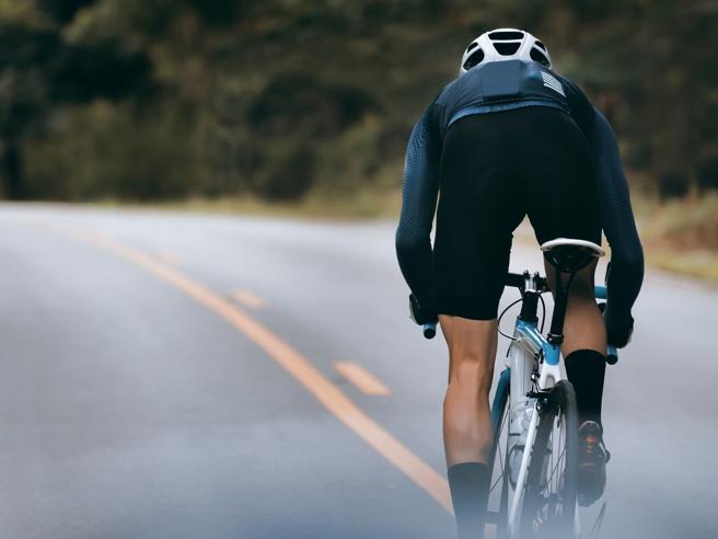Sesso e fertilità maschile, i cinque falsi miti più comuni (compreso quello sul ciclismo)