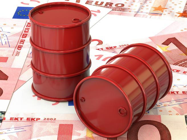 Prezzi benzina: con le «pompe bianche» si risparmia parecchio. Ma c'è da fidarsi?