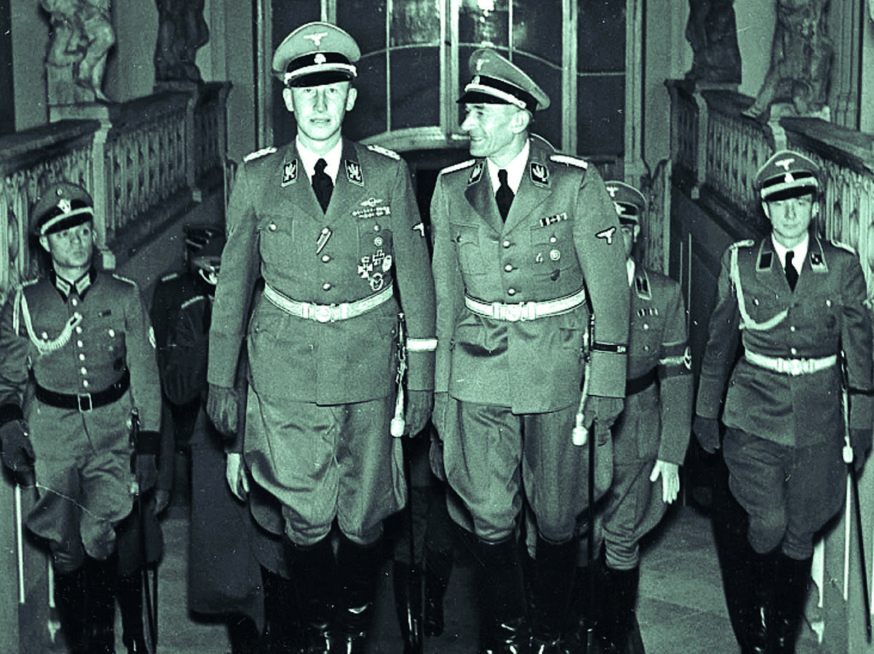A sinistra in primo piano Reinhard Heydrich (1904-1942), che diresse l'incontro di Wannsee (Reuters)