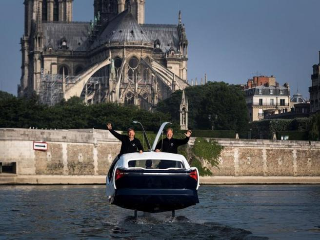 A Parigi spuntano i «Sea Bubbles», i taxi volanti lungo la Senna