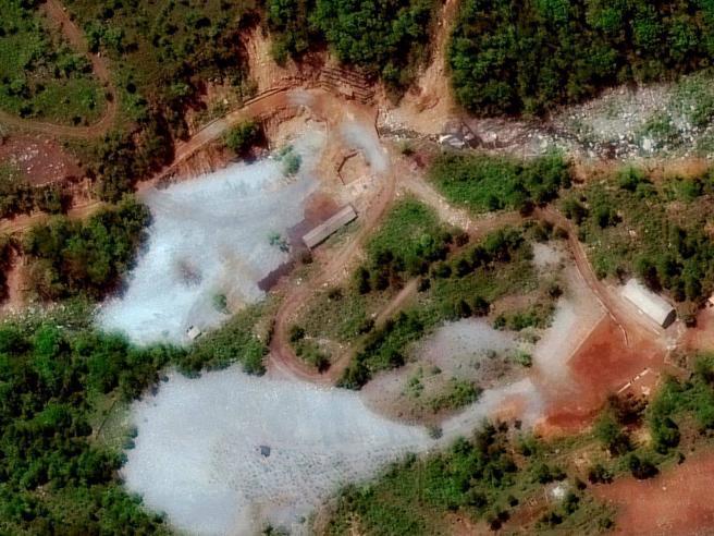 Corea del Nord, Kim fa esplodere  l'unico sito nucleare noto: «Una spinta per la pace»
