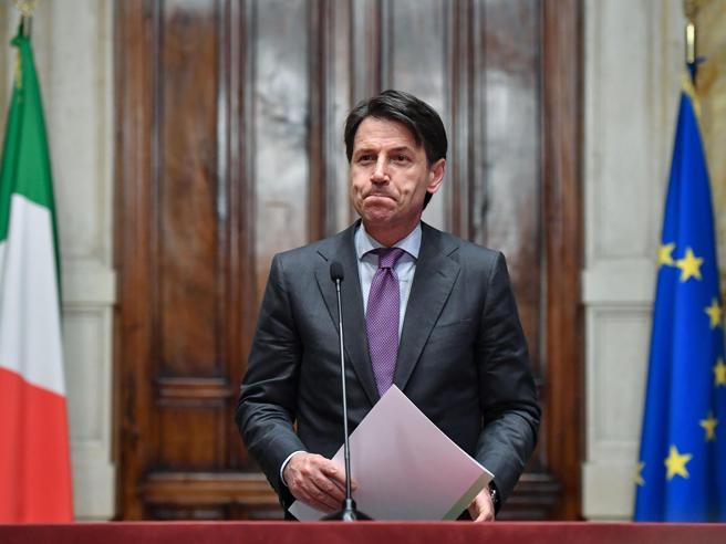 Conte: farò presto, ministri tutti politiciE sulle banche: «Risarciremo i truffati»
