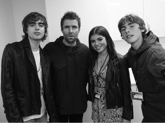 Liam Gallagher incontra la figlia Molly dopo 19 anni. La reunion postata su Instagram