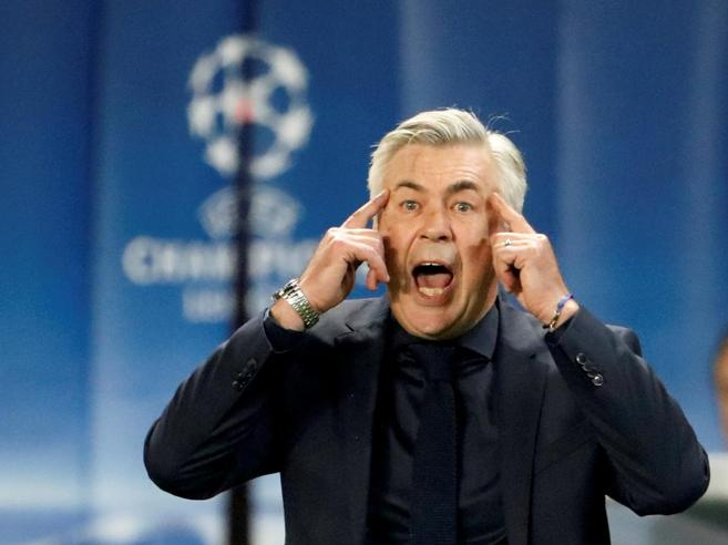 Napoli, con Ancelotti si sogna in grande: assalto a Vidal e David Luiz