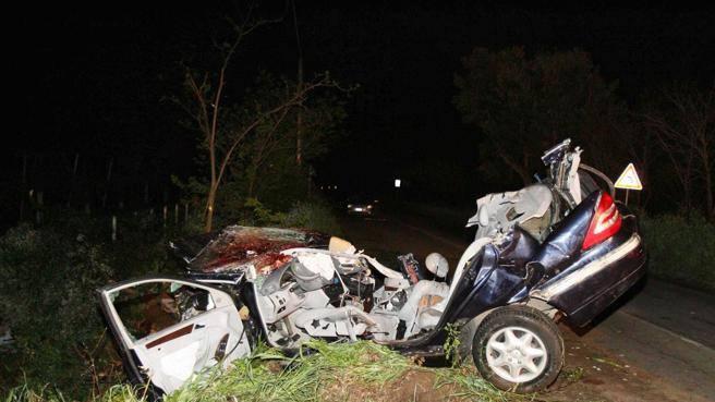 Un incidente stradale di notte in una foto di repertorio (Proto)