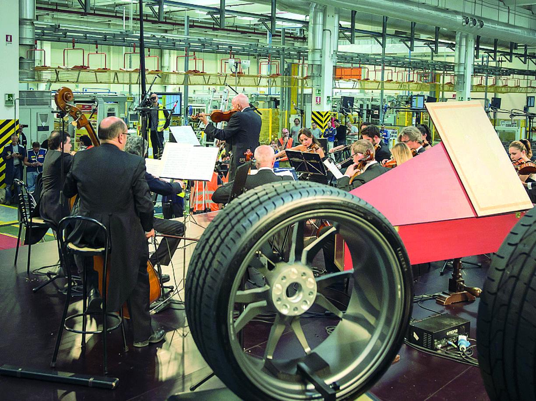 La fondazione pirelli presenta il canto della fabbrica for Pirelli settimo torinese
