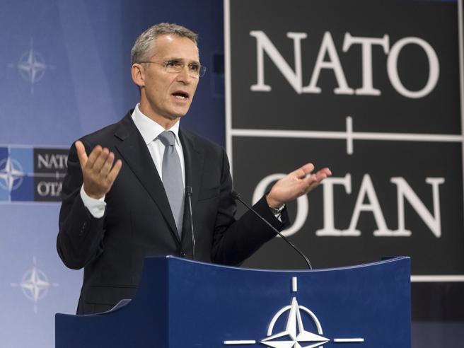 La Nato all'Italia: «Mantenete le sanzioni contro la Russia»