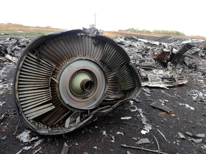 """L'aereo """"abbattuto da un missile russo""""? Non c'è accordo nel G7"""
