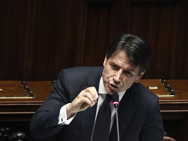 Conte e le frasi su Mattarella: «Attacchi alla  memoria di un  congiunto». E Delrio urla: «Si chiamava Piersanti» video