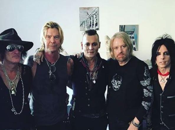 Johnny depp le nuove foto con la band rassicurano i fan - Il divo gruppo ...