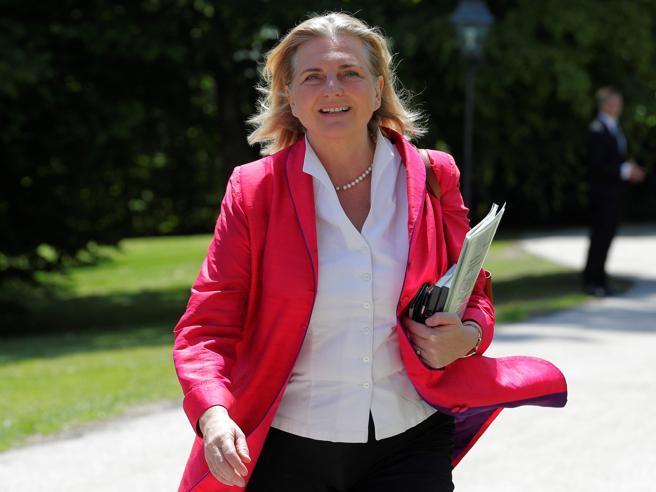 Austria, stretta contro le moscheeChi è la ministra dietro la decisione
