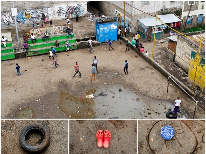 In mezzo al mare o nella sabbia: così si gioca a calcio nel mondo