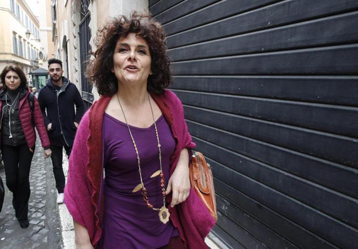 Migranti, la «sinistra» 5 Stelle contro Salvini:  i dubbi di FicoSbarco a Reggio Calabria