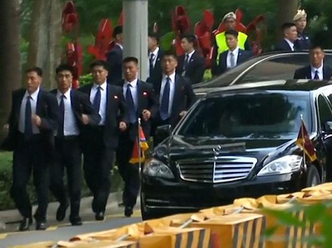 Trump-Kim, occhi  su SingaporeDalla sala fumo alle guardie del corpo maratonete:  curiosità|foto