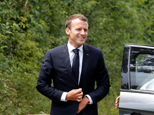 Aquarius, Macron non si scusa: «Non posso dare ragione a chi provoca». E Conte rinuncia al viaggio a Parigi