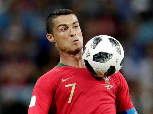 L idea di Cristiano Ronaldo  vincere il Mondiale «alla Maradona ... cfb7581e5a12a