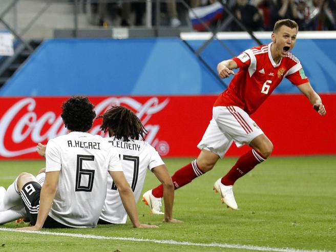 Russia Egitto finisce  3 1: Salah si sveglia tardi, i padro