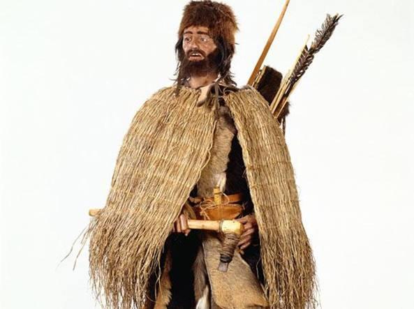 Ricostuzione del corredo di Ötzi (Museo archeologico dell'Alto Adige)