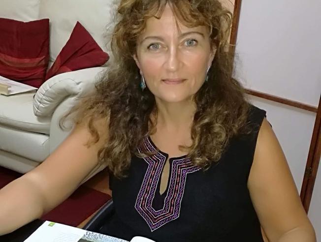 Angela, ottenere la maturità a 54 anni «Il regalo? A cena con i figli»