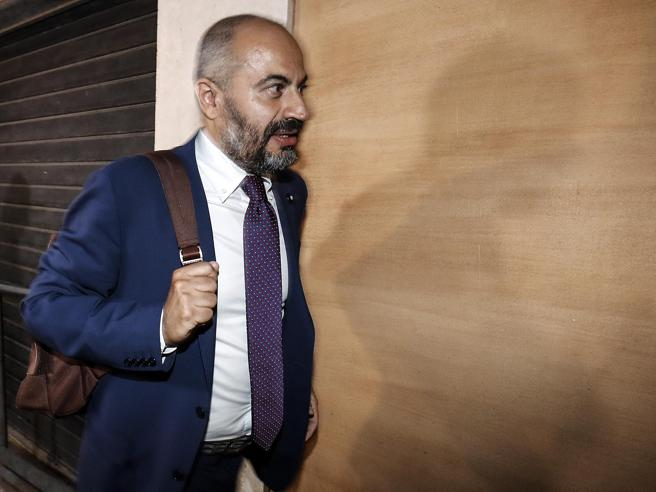 Paragone dei Cinque Stelle: « Salvini è   alleato leale ma s
