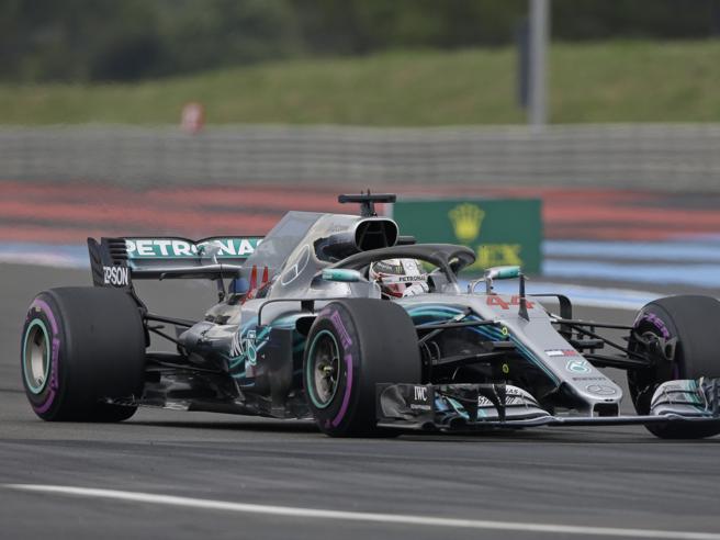 Gp Francia: dominio Mercedes, pole Hamilton su Bottas solo terzo Vettel