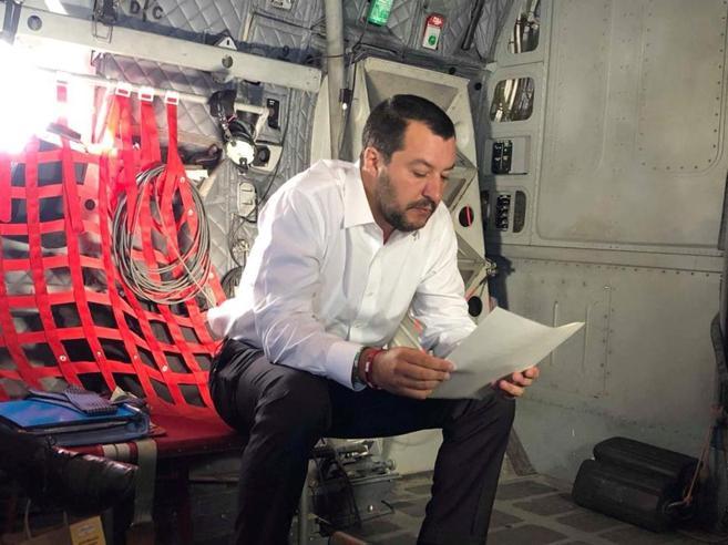 Salvini: «Hotspot nel sud della Libia» La replica: «Nessun